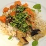 Curry met zoete aardappel en aubergine
