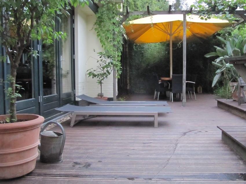 Een terras van bamboe mergenmetz