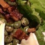 Salade van kapucijners, spek en brie