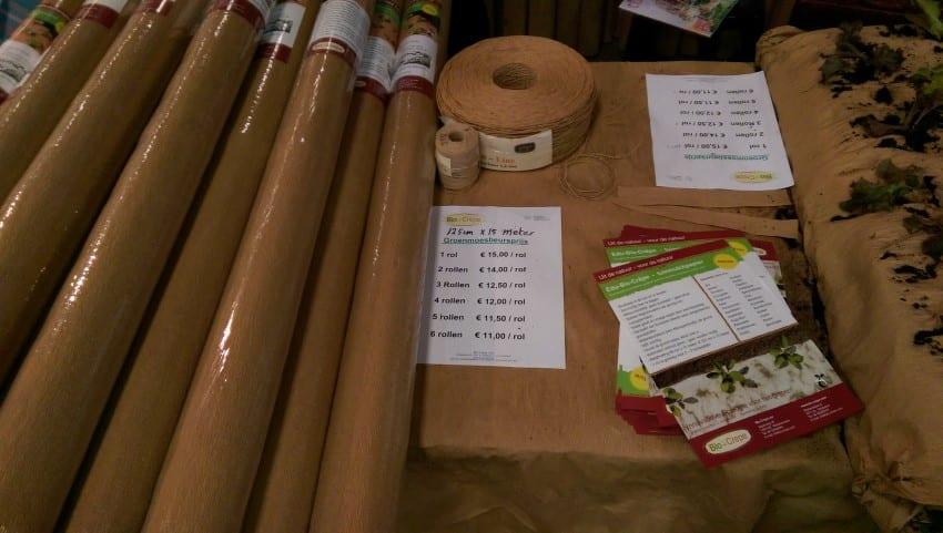 Groenmoesmarkt 2017 – rollen crepepapier als mulch