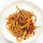 Spaghetti met courgette en kappertjes