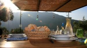 Mooi in Portugal - brood op tafel