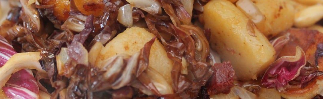 radicchio roerbak met salami - breed