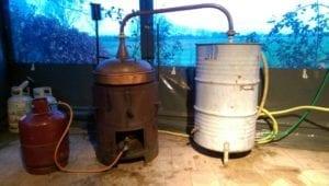 De destilleerinstallatie