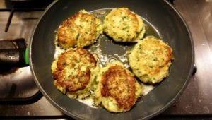 aardappelkoeken-met-yacon-in-de-pan